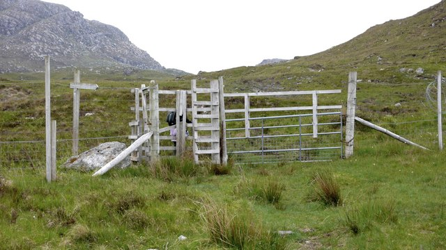 Improvised deer-proof gate on the footpath to Eireagoraidh
