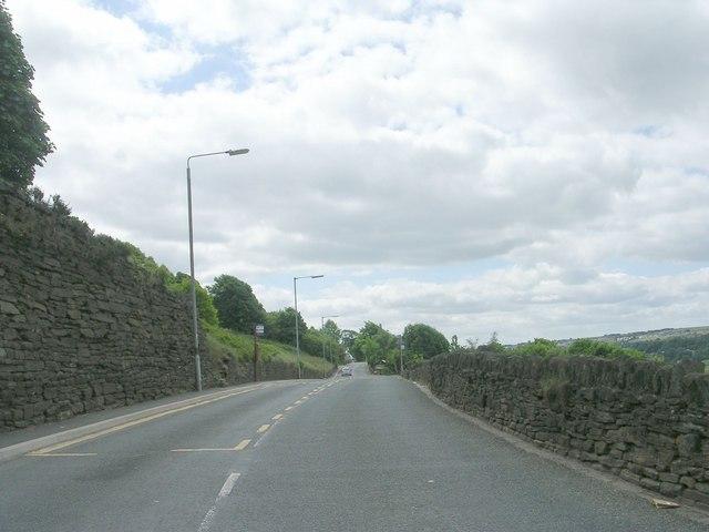 Mixenden Lane - viewed from Mill Lane