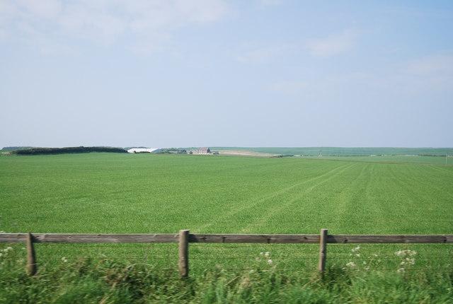 Farmland between Lebberston and Cayton