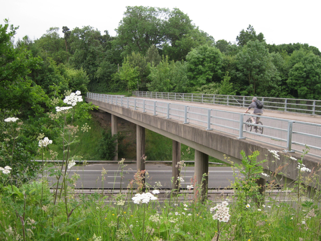 Lapworth Street crosses M40
