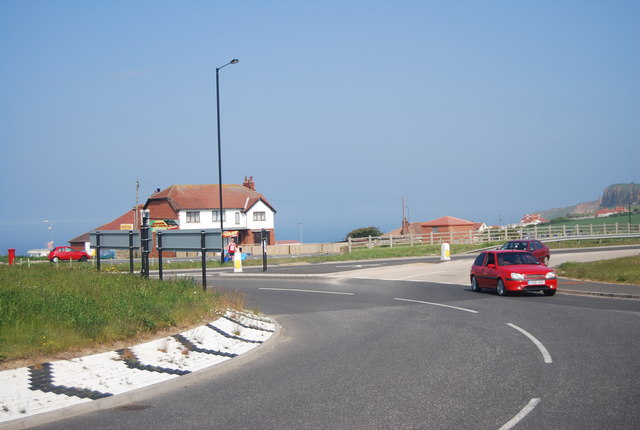 Roundabout on the A165