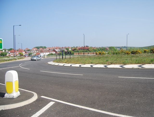 Roundabout at the beginning of the new A165