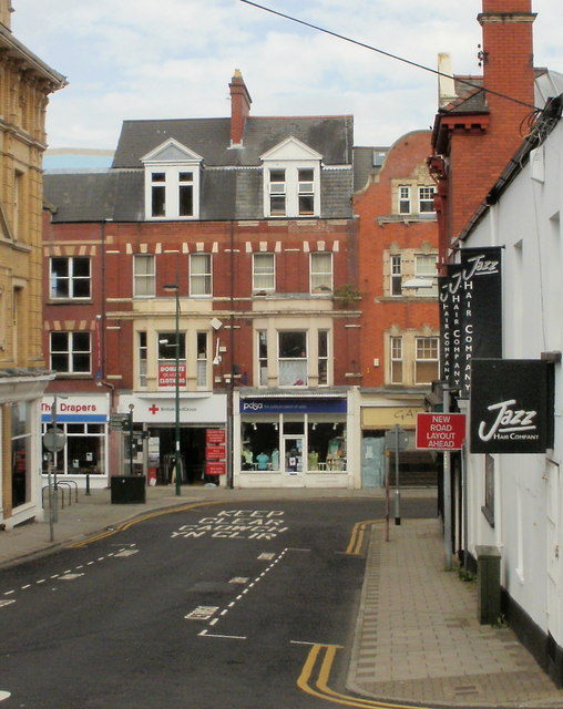 Newport : Commercial Street shops viewed from Hill Street