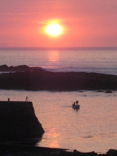 Sunset over the Cowloe rocks