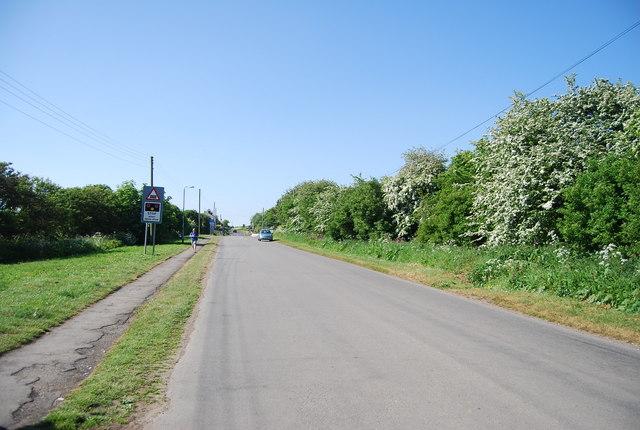 Newsham Hill Lane heading to the Level crossing