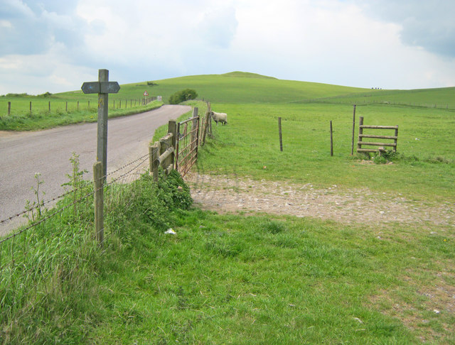 Finger post on Knap Hill
