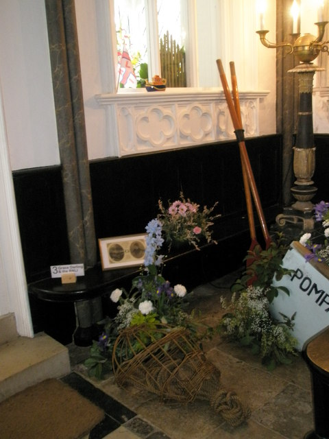 Chapel, Stansted Park- floral display (3)