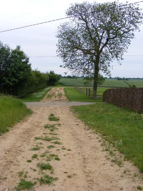 Farm track crosses Loddon Ingloss Road