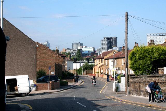 Croydon:  Cross Road