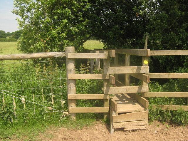 Footbridge near Glover Farm