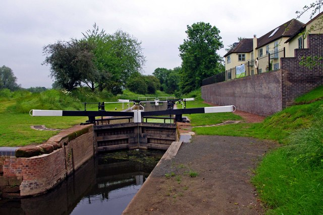 Droitwich Barge Canal - the restored river lock (lock no. 1 formerly 8)
