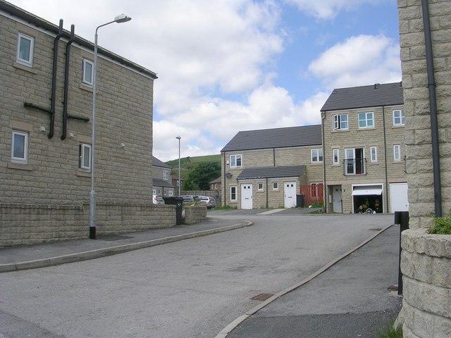 Moins Close - Clough Lane