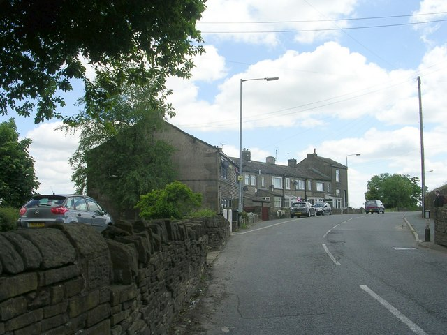 Moor End Road - viewed from Clough Lane