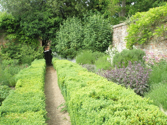 Walled Garden, Stansted House (2)