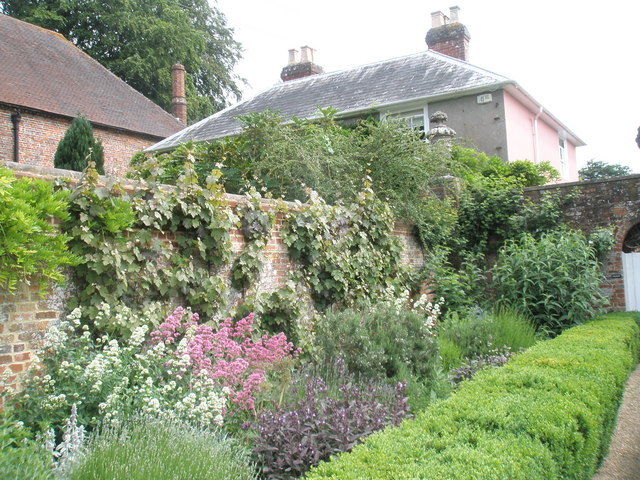 Walled Garden, Stansted House (4)