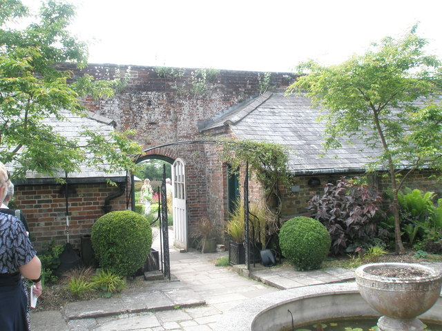 Walled Garden, Stansted House (6)