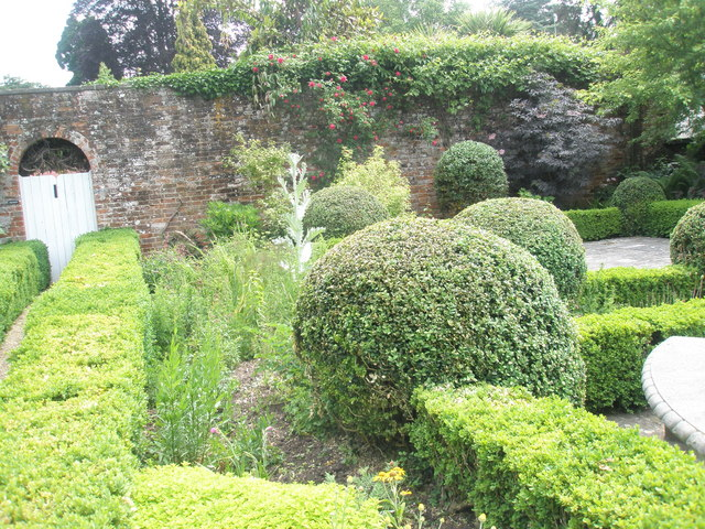 Walled Garden, Stansted House (7)