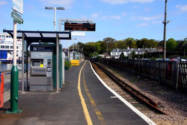 Lymington Pier station