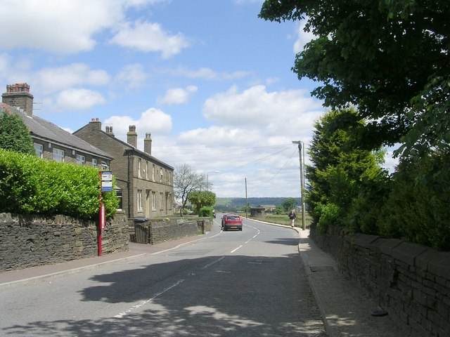 Moor End Road - viewed from Heath Hill Road
