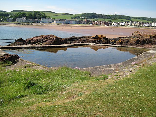 Former paddling pool