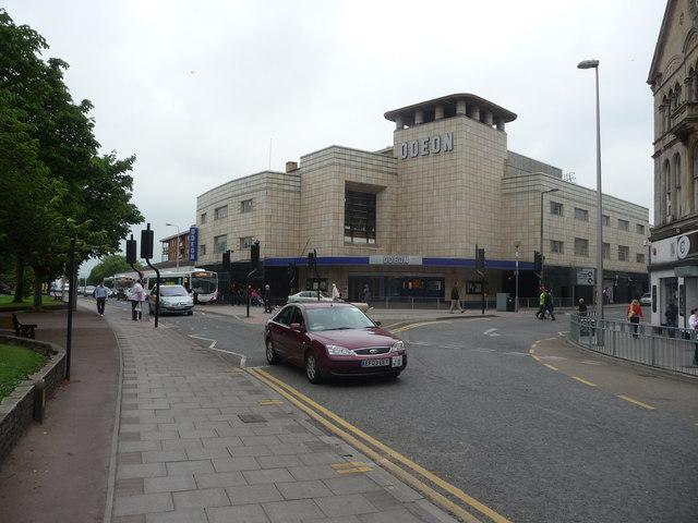 Weston-Super-Mare : Regent Street & Odeon Cinema
