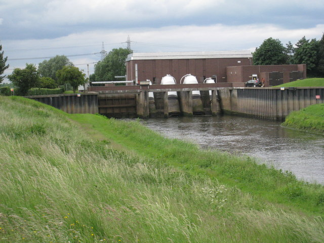 Sluice and Pumping Station on the River Idle
