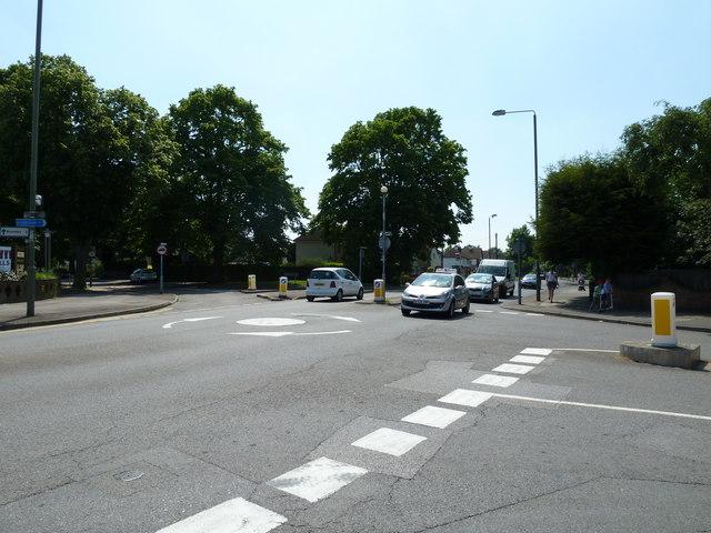 Harvester roundabout, Southborough Lane