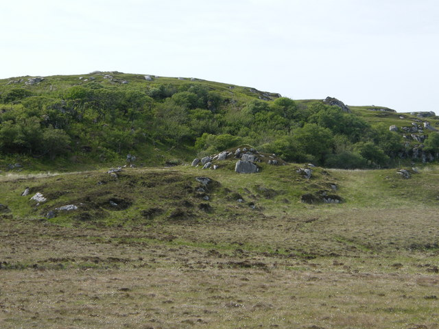 Small mound in front of  Torr Fada
