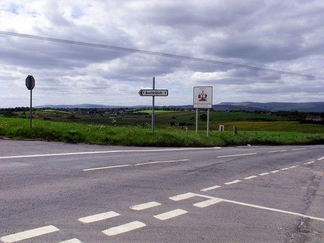 Cross Roads on the border