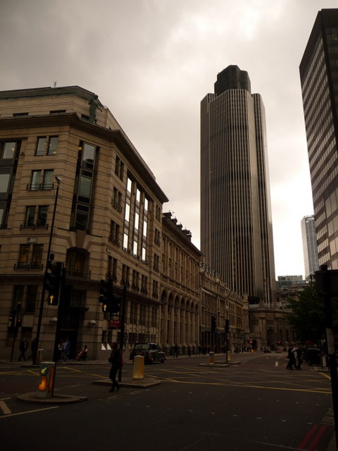 London: the NatWest Tower from Gracechurch Street