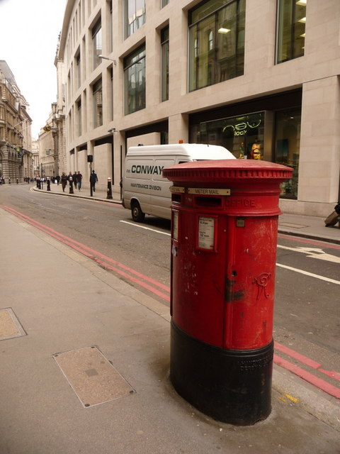 London: postbox № EC3 317, Lombard Street
