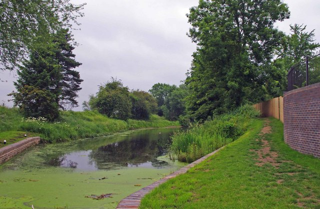 Droitwich Barge Canal immediately above lock no. 1 (formerly 8)