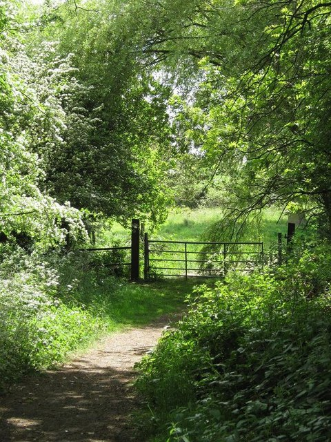 Footpath and stile, Maypole