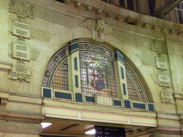 London: LSWR inscriptions at Waterloo Station