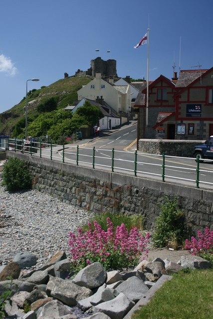 Road leading to Criccieth Castle