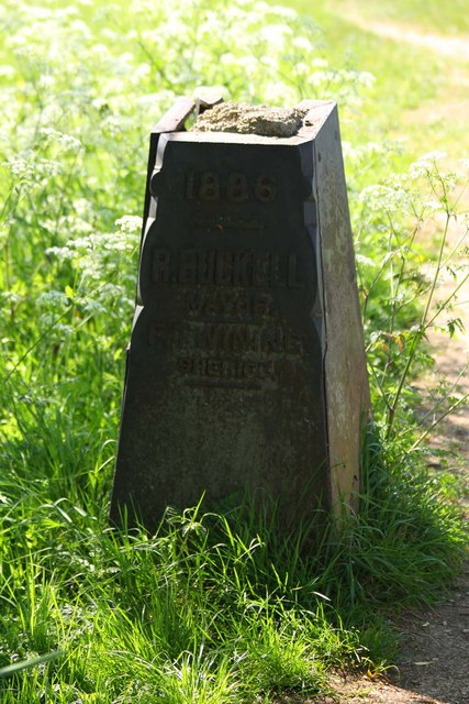 The former county boundary stone at Godstow