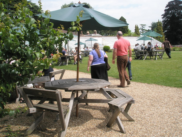 Tables outside the restaurant at Stansted House (3)