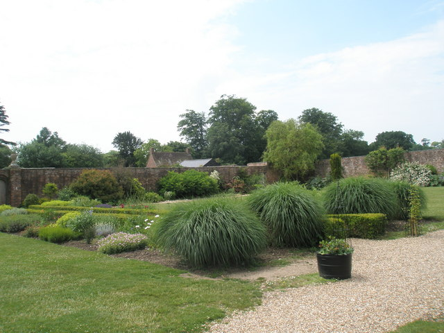 Stansted House- splendid gardens (1)