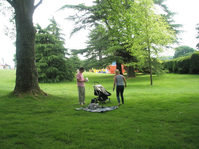 2010 Stansted House Garden Show- time for a picnic