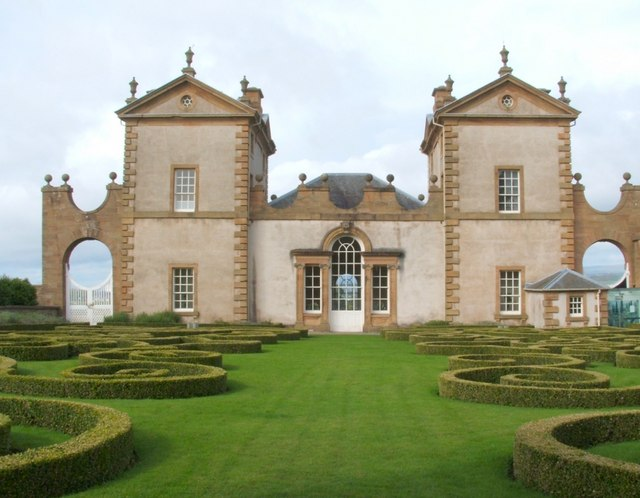 Chatelherault: the parterre