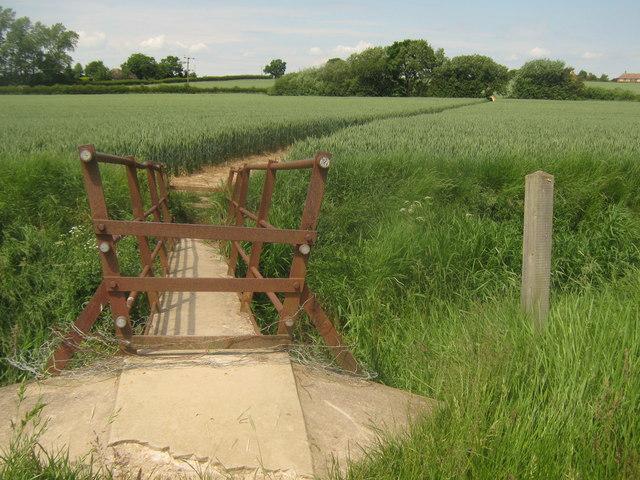 Footbridge over Cradlebridge Sewer