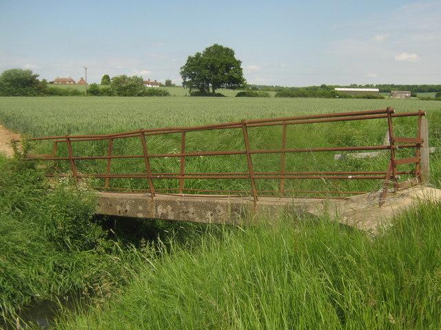 Footbridge over Cradlebridge Sewer (2)
