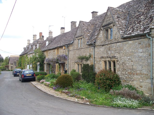 Cottages at Bledington