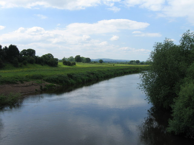 River Dee from Farndon bridge