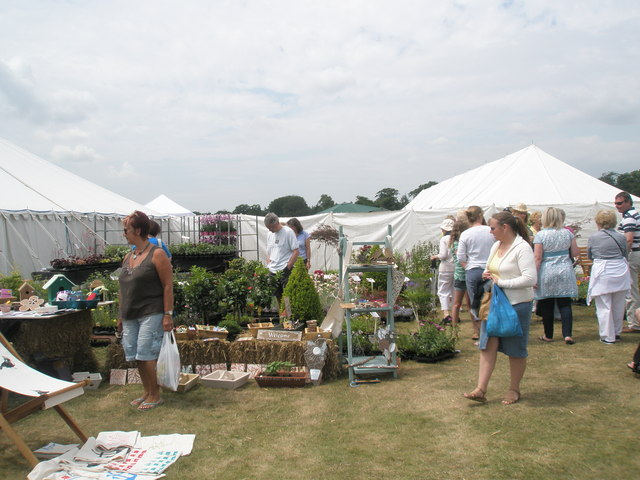 2010 Stansted House Garden Show- plant stall (6)