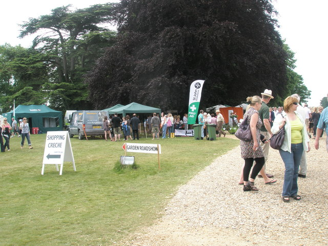 2010 Stansted House Garden Show- directional arrows