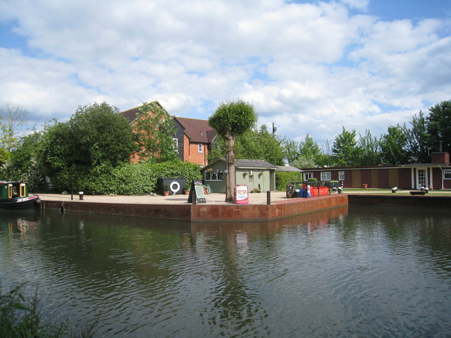 Moorings on the Kennet & Avon Canal