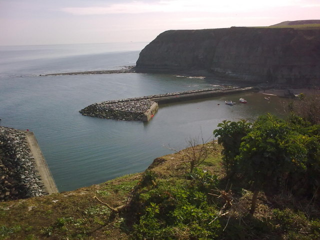 Staithes Harbour from Cowbar Nab