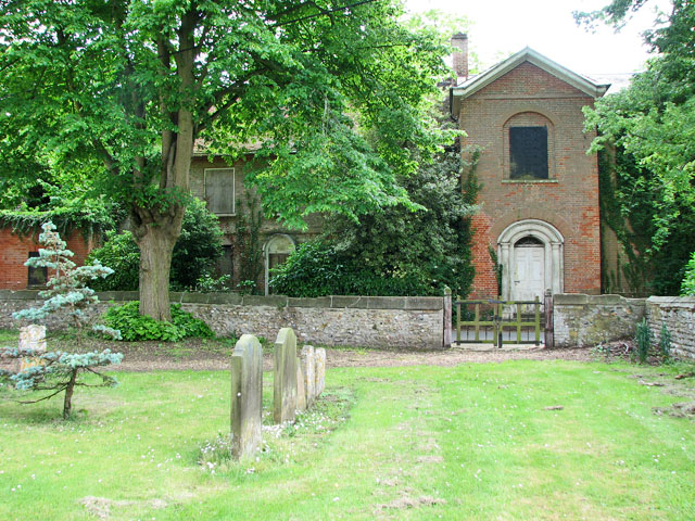 St Andrew's church in Northwold - churchyard