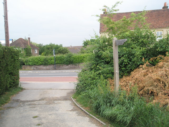 Footpath from Plant Farm emerging into London Road